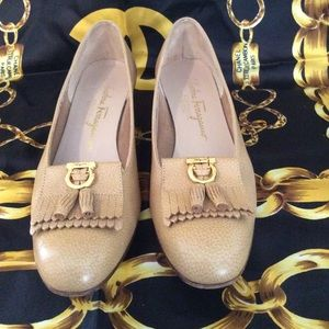 SALVATORE FERRAGAMO TASSEl leather loafer EXEC 6.5